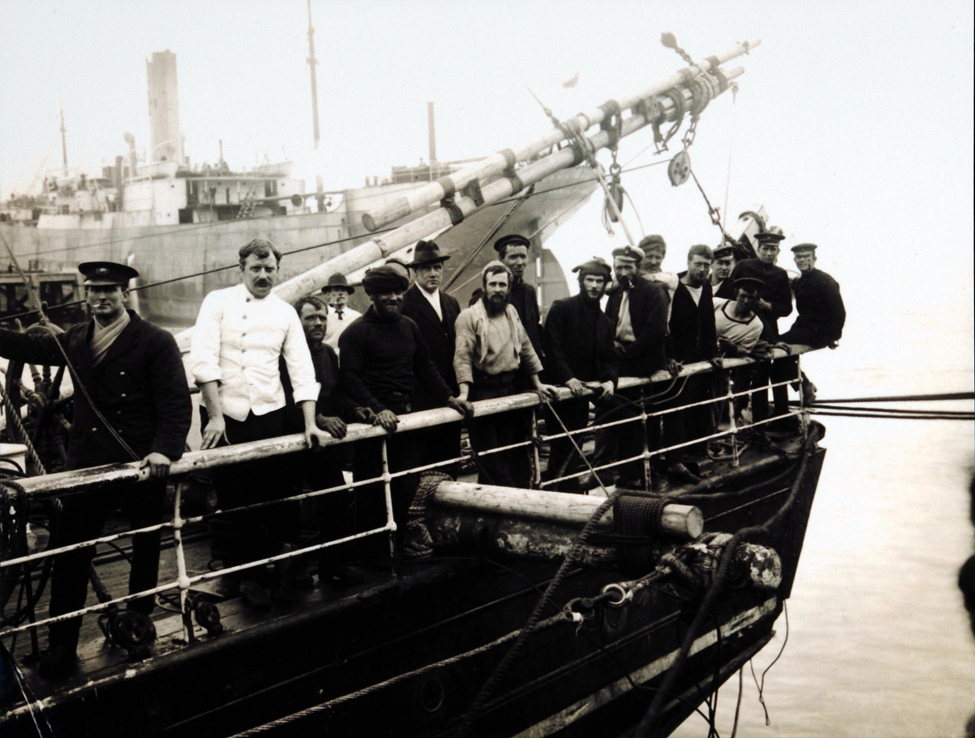 Photograph (copy). The crew aboard the <i>Aurora</i> while in Port Chalmers, 1916.