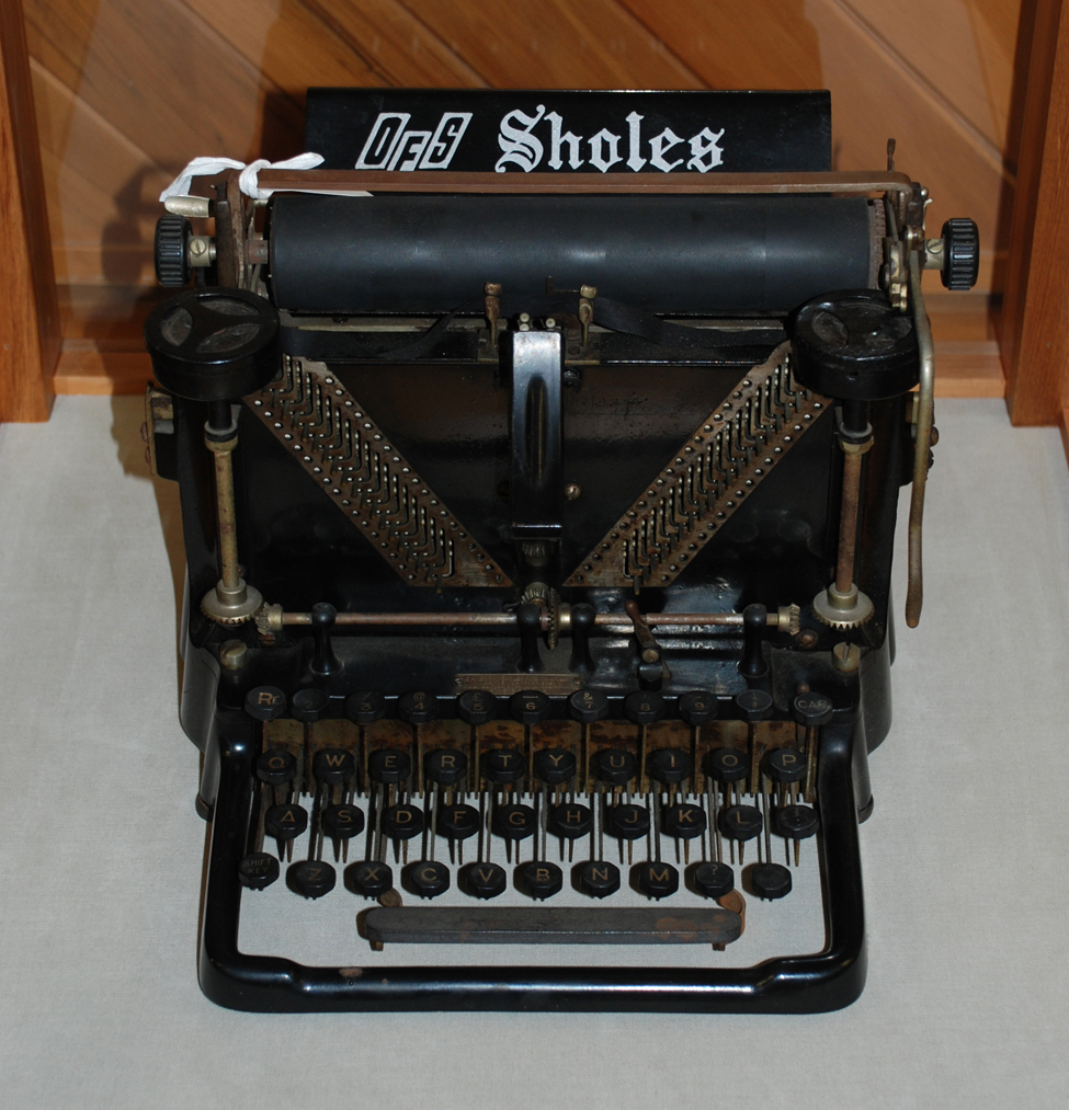 Sholes Visible Typewriter, produced by the Meiselbeck Typewriter Company of Kinasha, Wisconsin, in 1901.